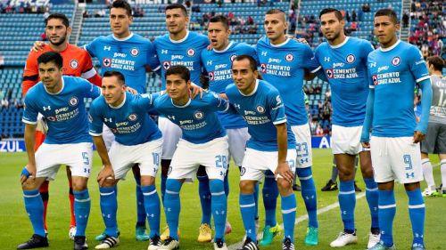 Cruz Azul posa previo a un duelo de Liga MX en el Estadio Azul