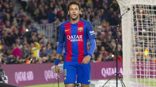 Neymar disputa un duelo de La Liga en Camp Nou