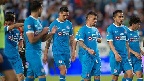 Jugadores de Cruz Azul después del encuentro contra Pachuca