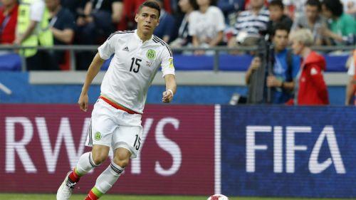 Héctor Moreno en el partido contra Portugal