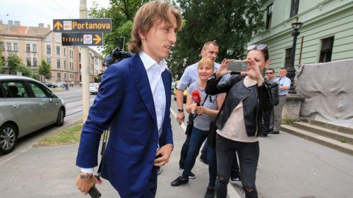 Modric, llegando al tribunal croata para un juicio