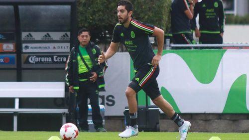 Pizarro, durante un entrenamiento con la Selección