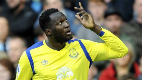 Romelu Lukaku celebra un gol con el Everton