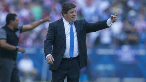 Miguel Herrera, en el juego entre América y Gallos de la Supercopa MX