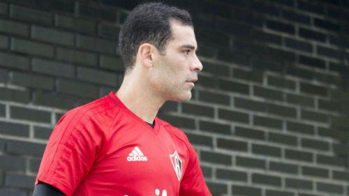 Rafa Márquez, en un entrenamiento con Atlas