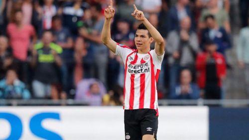 Lozano celebra su anotación con el PSV