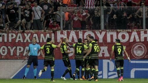 Sporting de Lisboa celebra la anotación de Doumbia