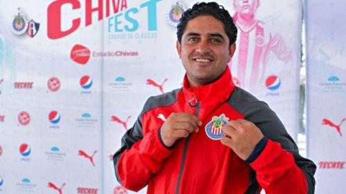 Estamos dispuestos a dar la cara por el club   DT de Chivas femenil. Luis  Fernando Camacho ... a504e8d0ba872