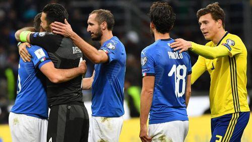 Seleccionados de Italia se consuelan tras quedar fuera de Rusia 2018
