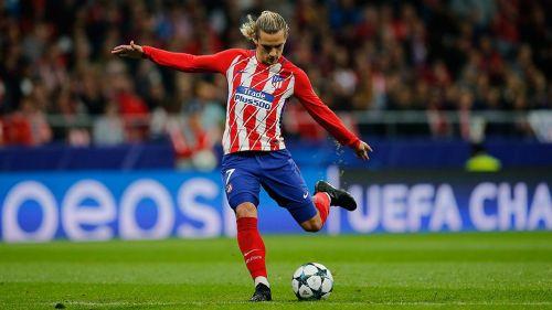 Griezmann dispara al arco en juego con el Atlético de Madrid