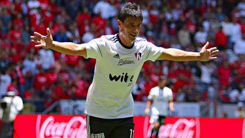 Pumas presentó refuerzos y anuncia la vuelta de Fuentes