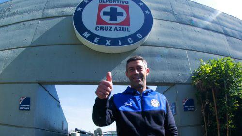 Carlos Fierro descarta ser la salvación de Cruz Azul