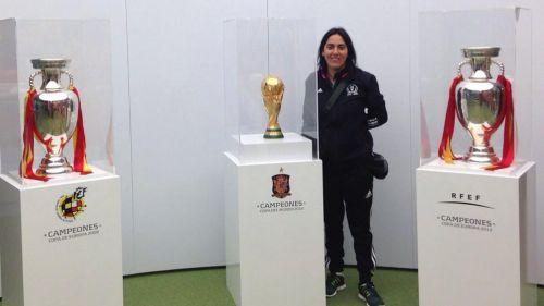 Histórico: Confirmaron a Paula Navarro como la primera entrenadora del fútbol profesional