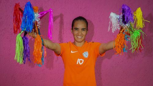 Mónica Ocampo posa para RÉCORD