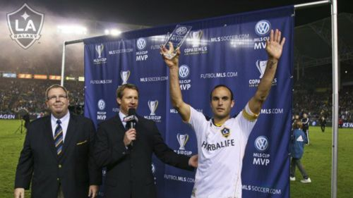 Landon Donovan, festeja triunfo con LA Galaxy