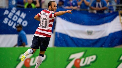 Donovan celebra un gol de EU en la Copa Oro