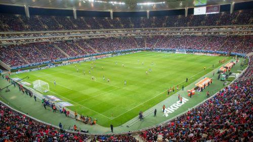 Afición rojiblanca asiste al juego contra Cruz Azul