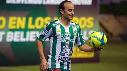 Quiero vestirme de verde y ganar trofeos con el León: Donovan