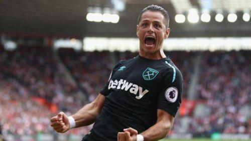 El gol de 'Chicharito' hace que West Ham no pierda lugares