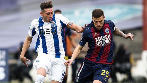 Reyes y Herrera participan los 90' en goleada del Porto