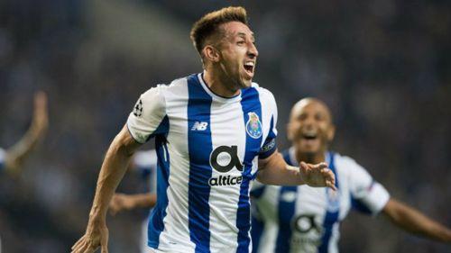 Héctor Herrera celebra en duelo del Porto