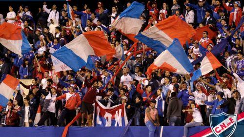 Hinchas del Nacional durante un partido
