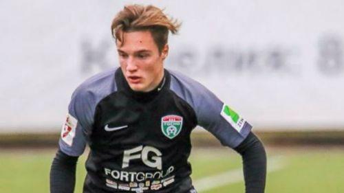 Stanislav Manáyev, durante un encuentro del FC Tosno