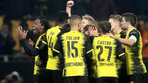 Batshuayi rescata agónica victoria del Borussia ante Atalanta