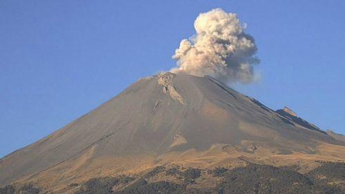 Volcán Popócatepetl emitió exhalación de vapor y agua tras el sismo