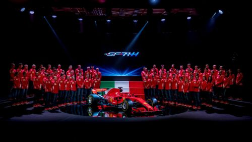 Ferrari presenta su nuevo momoplaza para la temporada 2018