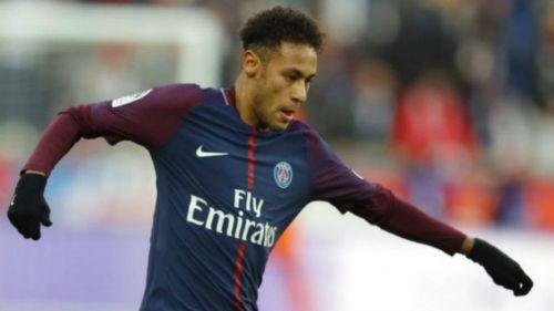 Operan con éxito a Neymar