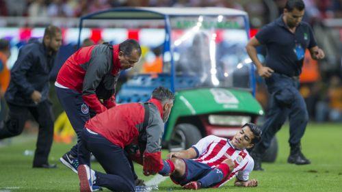 Chivas pierde a 'Chapito Sánchez por 4 meses