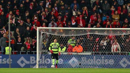Standard remonta y se mete a play-offs en Bélgica