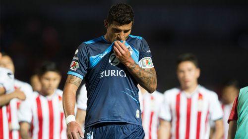 Francisco Rodríguez se lamenta tras la derrota de Lobos vs Chivas