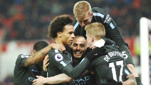 David Silva celebra al marcar el segundo frente al Stoke City