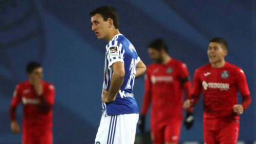Se queda Héctor Moreno sin técnico en la Real Sociedad