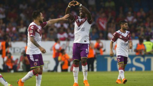 Miguel Murillo festeja gol contra Atlas en la J12 del C2018