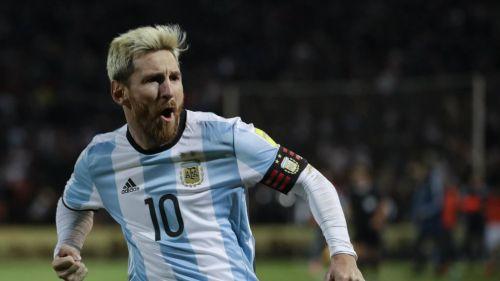 Messi festeja gol con la camiseta de Argentina