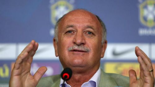 Scolari en una conferencia de prensa de Brasil