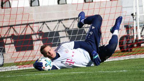 Manuel Neuer entrena por primera vez con balón desde su regreso