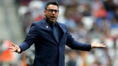 A capa y espada Mohamed defiende a Hugo Gonzalez — RAYADOS