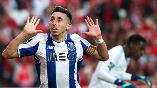 Herrera festeja su gol contra el Benfica