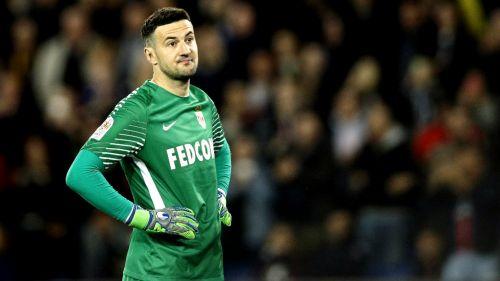 Danijel Subasic lamenta derrota frente al PSG