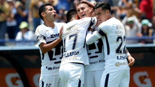 Pumas festeja doblete de Nicolás Castillo