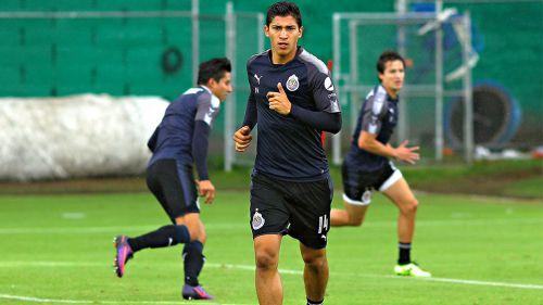 Ángel Zaldivar, durante un entrenamiento con Chivas