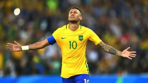 Neymar se conmueve en partido de Brasil