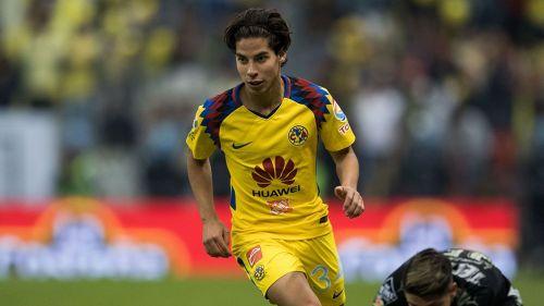 Diego Lainez, durante el duelo entre América y Monterrey