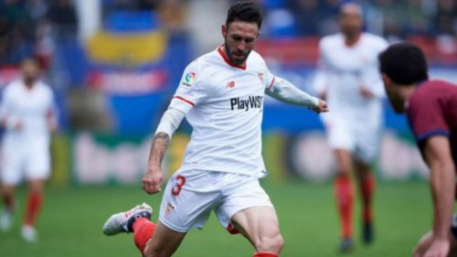 Sevilla considera comprar la carta del mexicano Miguel Layún