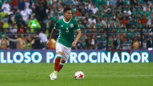 Carlos Salcedo regresó a entrenar con el Eintracht Frankfurt