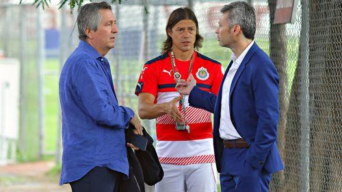 José Luis Higuera dejaría al equipo — CHIVAS